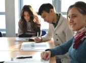 Ученики выпускных классов в Абхазии начнут ходить в школу летом