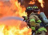 Сотрудник МЧС пострадал при тушении пожара в Лыхны